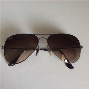 Ray Ban Aviator Sunglasses w/ Case